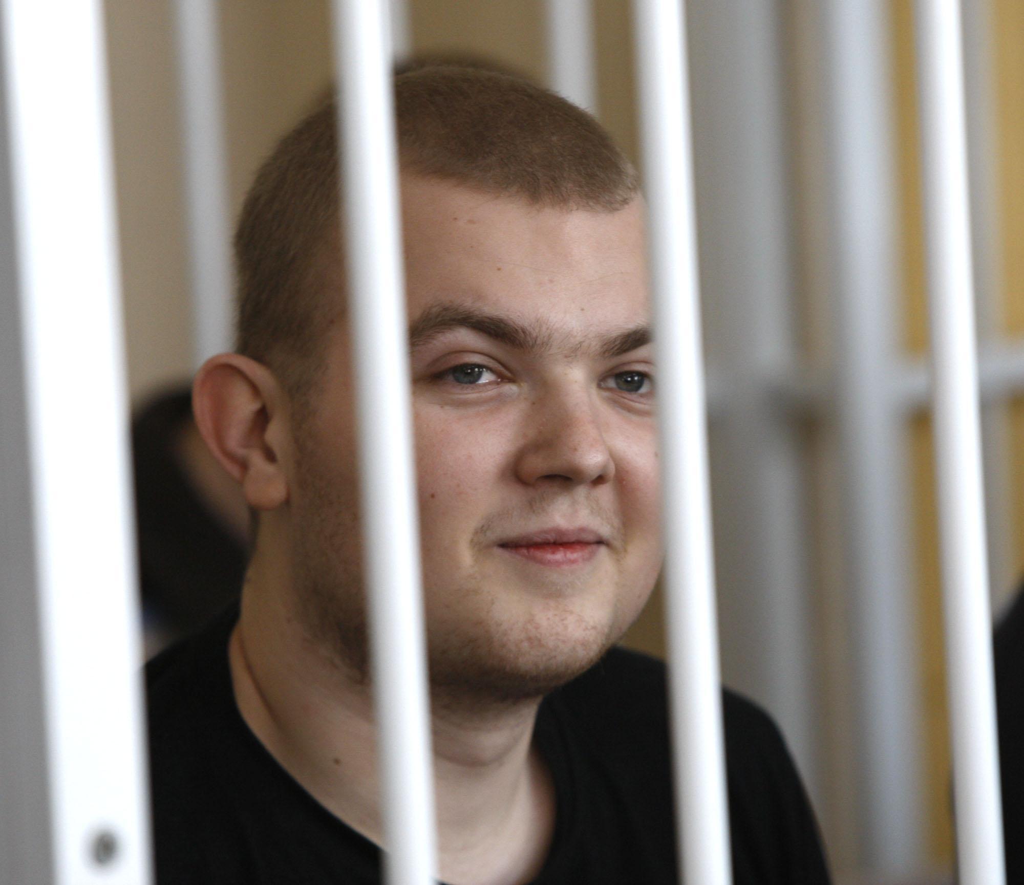 Павел Виноградов час объяснял милиции, где был 27 июля
