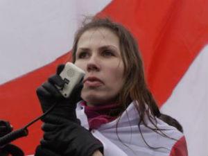 Aliona Kawalenka: Starają się zrujnować zdrowie Siarhieja