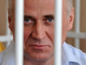 Political prisoner Mikalai Statkevich celebrates 58th birthday